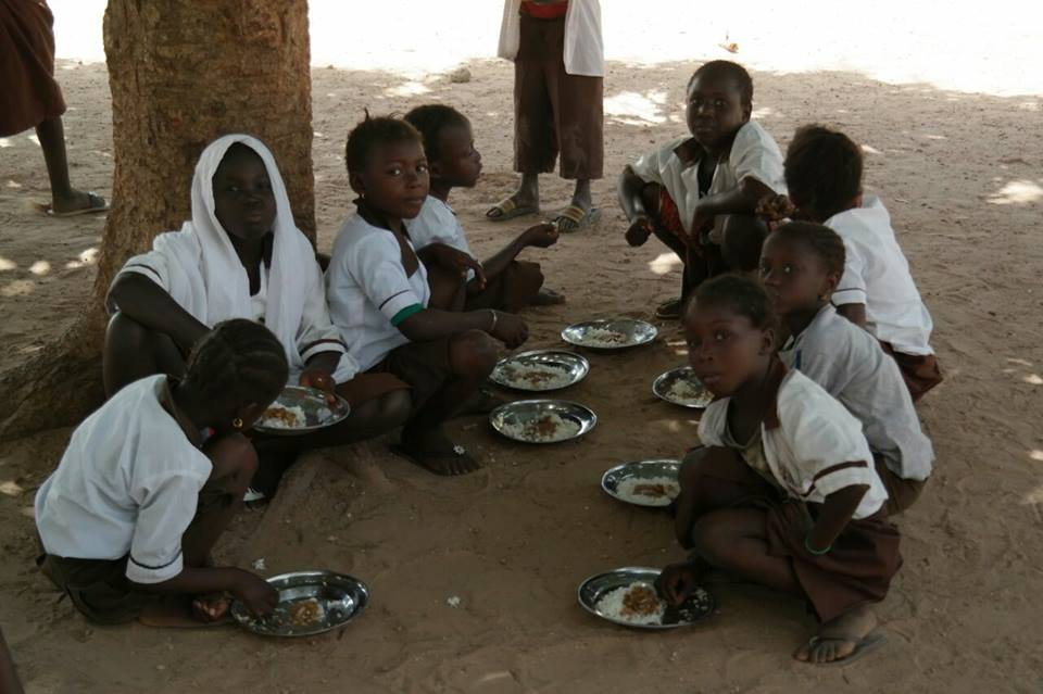 school feeding Gesundheit und Bildung Gambia e.V.